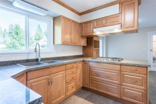 Photo 5: 949 THERMAL Drive in Coquitlam: Chineside House for sale : MLS®# R2262465