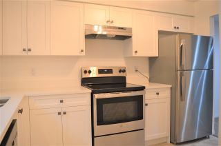 """Photo 3: 22711 GILLEY Avenue in Maple Ridge: East Central Townhouse for sale in """"CEDAR GROVE"""" : MLS®# R2528344"""