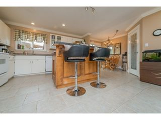 Photo 7: 17924 SHANNON Place in Surrey: Cloverdale BC House for sale (Cloverdale)  : MLS®# R2176477