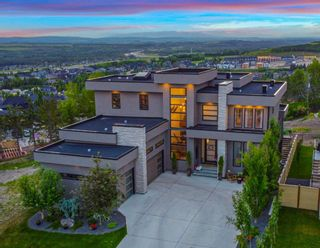 Main Photo: 32 Elveden Bay SW in Calgary: Springbank Hill Detached for sale : MLS®# A1124270