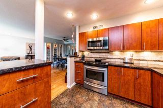 """Photo 11: 2201 33 CHESTERFIELD Place in North Vancouver: Lower Lonsdale Condo for sale in """"Harbourview Park"""" : MLS®# R2549622"""