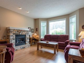 Photo 2: 2273 Swallow Cres in COURTENAY: CV Courtenay East House for sale (Comox Valley)  : MLS®# 818473