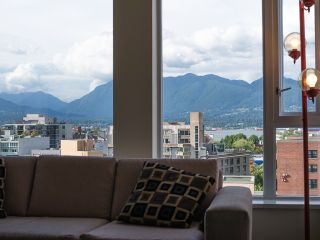 """Photo 3: 1205 550 TAYLOR Street in Vancouver: Downtown VW Condo for sale in """"The Taylor"""" (Vancouver West)  : MLS®# R2093056"""