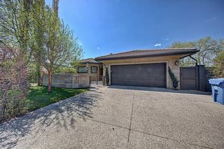 Photo 1: 3911 CRESTVIEW Road SW in Calgary: Elbow Park Detached for sale : MLS®# A1082618