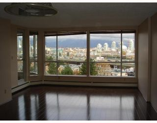 Photo 3: 810 518 MOBERLY Road in Vancouver: Cambie Condo for sale (Vancouver West)  : MLS®# V806799