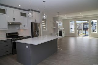 Photo 1: 574 Menzies Ridge Dr in Nanaimo: Na University District House for sale : MLS®# 887010
