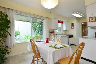 """Photo 9: 106 1351 MARTIN Street: White Rock Condo for sale in """"The Dogwood"""" (South Surrey White Rock)  : MLS®# R2186058"""