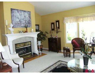Photo 2: 7868 154TH Street in Surrey: Fleetwood Tynehead House for sale : MLS®# F2912897