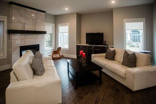 Photo 5: 3304 WEST Court in Edmonton: Zone 56 House for sale : MLS®# E4233300