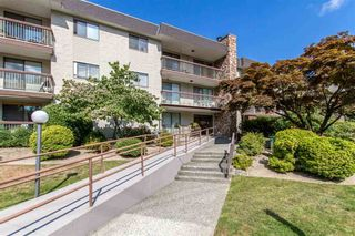 "Photo 1: 301 2381 BURY Avenue in Port Coquitlam: Central Pt Coquitlam Condo for sale in ""Riverside Manor"" : MLS®# R2397486"