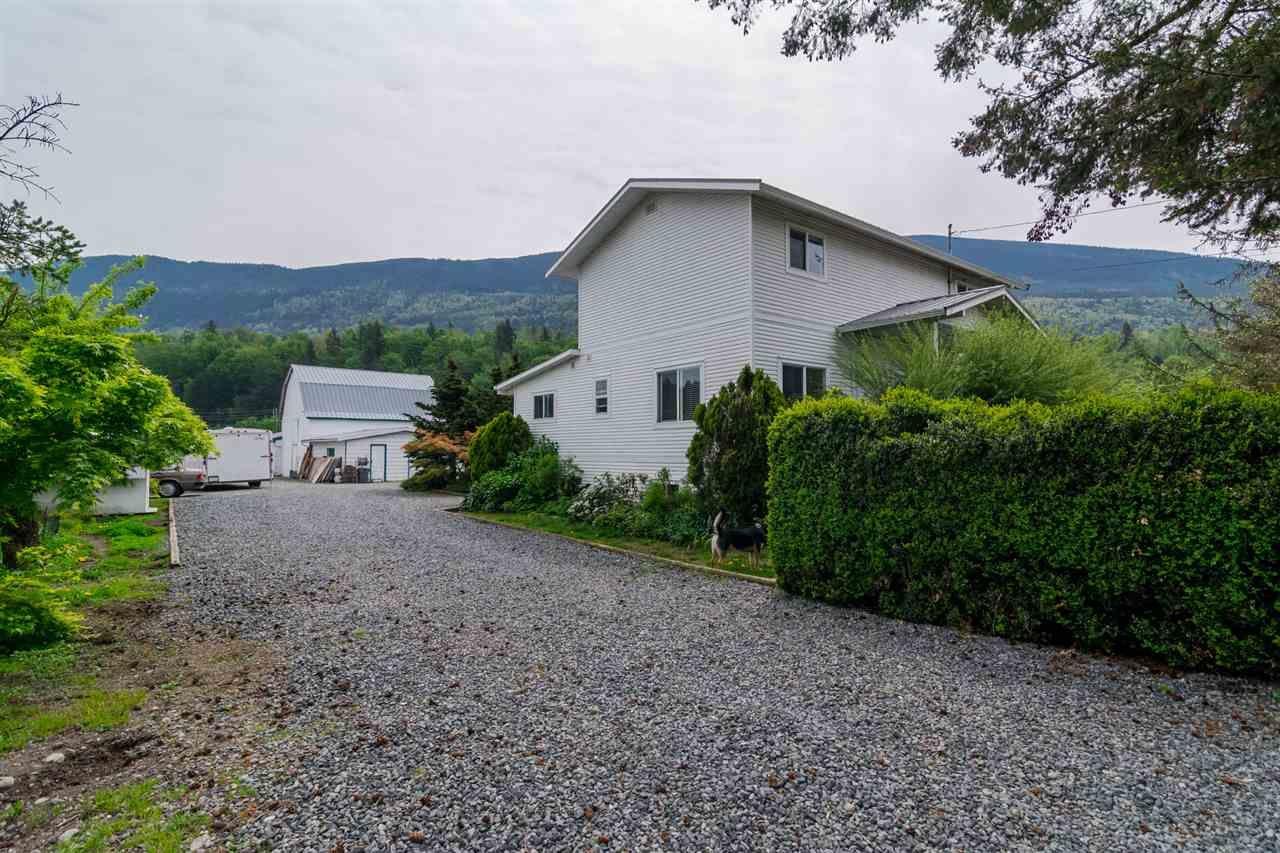 Photo 2: Photos: 3870 STEWART Road: Yarrow House for sale : MLS®# R2165934