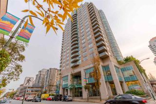"""Photo 1: 907 612 SIXTH Street in New Westminster: Uptown NW Condo for sale in """"The Woodward"""" : MLS®# R2505938"""