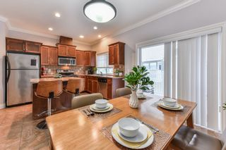 """Photo 10: 54 6498 SOUTHDOWNE Place in Sardis: Sardis East Vedder Rd Townhouse for sale in """"VILLAGE GREEN"""" : MLS®# R2340910"""
