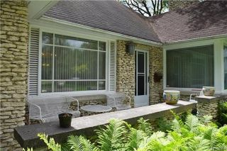 Photo 2: 884 Wellington Crescent in Winnipeg: River Heights North Residential for sale (1C)  : MLS®# 1716855