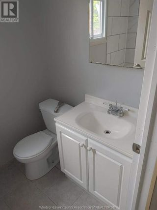 Photo 9: 900 ELSMERE Unit# A in Windsor: House for lease : MLS®# 21002807