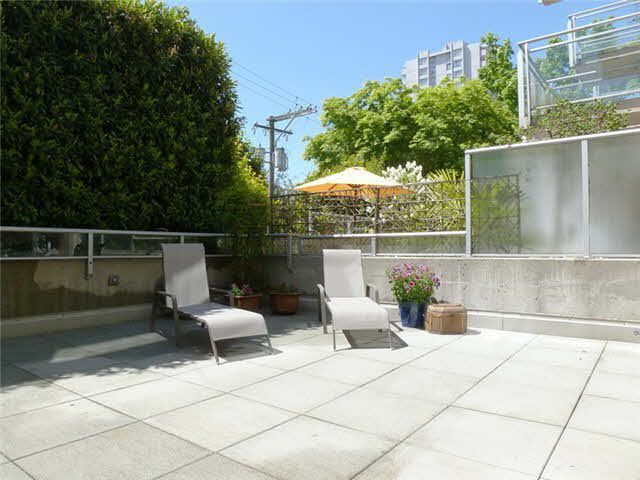 Main Photo: 103 1688 ROBSON STREET in : West End VW Condo for sale : MLS®# V983722