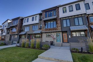 Photo 2: 13 Walden SE in Calgary: Walden Row/Townhouse for sale : MLS®# A1146775