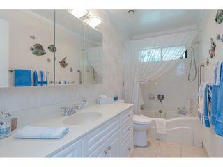 "Photo 16: 15071 BUENA VISTA Avenue: White Rock 1/2 Duplex for sale in ""WHITE ROCK HILLSIDE"" (South Surrey White Rock)  : MLS®# R2372638"