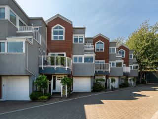 """Photo 42: 1594 ISLAND PARK Walk in Vancouver: False Creek Townhouse for sale in """"THE LAGOONS"""" (Vancouver West)  : MLS®# R2297532"""