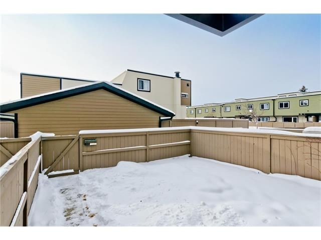 Photo 31: Photos: 118 3809 45 Street SW in Calgary: Glenbrook House for sale : MLS®# C4096404