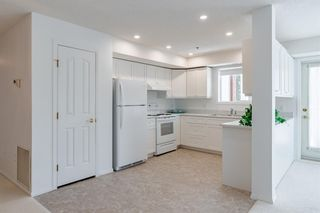 Photo 9: 3142 1818 Simcoe Boulevard SW in Calgary: Signal Hill Apartment for sale : MLS®# A1114584