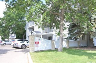 Photo 1: 302 317 Cree Crescent in Saskatoon: Lawson Heights Residential for sale : MLS®# SK860891