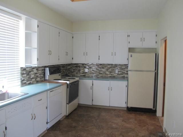 Photo 4: Photos:  in WINNIPEG: North End Residential for sale (North West Winnipeg)  : MLS®# 1404958