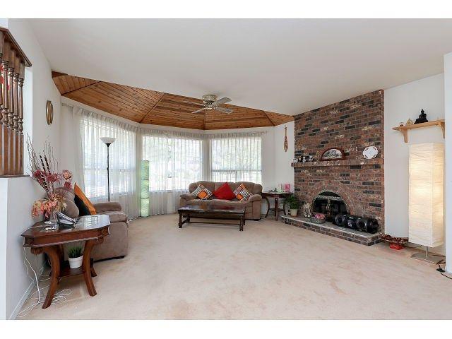 Photo 2: Photos: 15423 93 AV in Surrey: Fleetwood Tynehead House for sale : MLS®# F1447142
