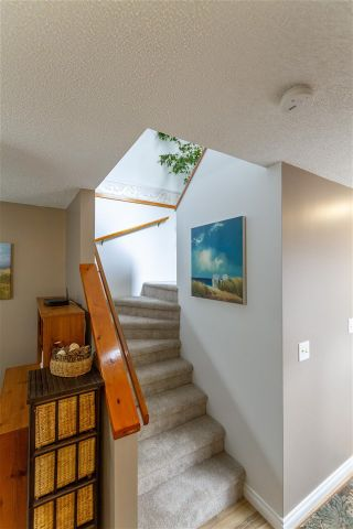 Photo 9: 866 PINEBROOK Place in Coquitlam: Meadow Brook House for sale : MLS®# R2578053