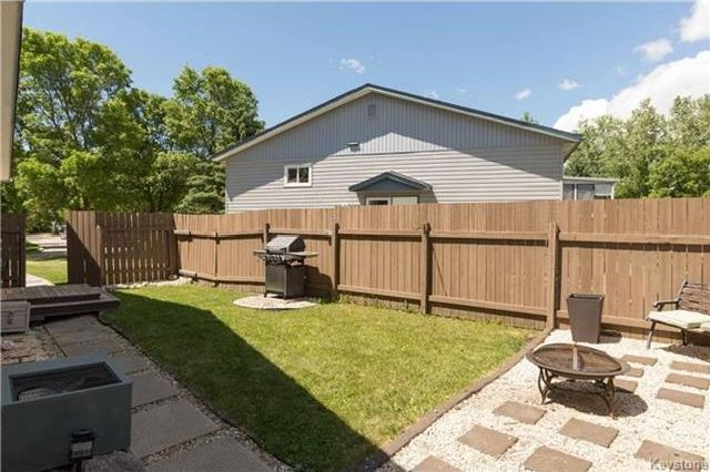 Photo 16: Photos: 427 Dowling Avenue in Winnipeg: East Transcona Residential for sale (3M)  : MLS®# 1716134