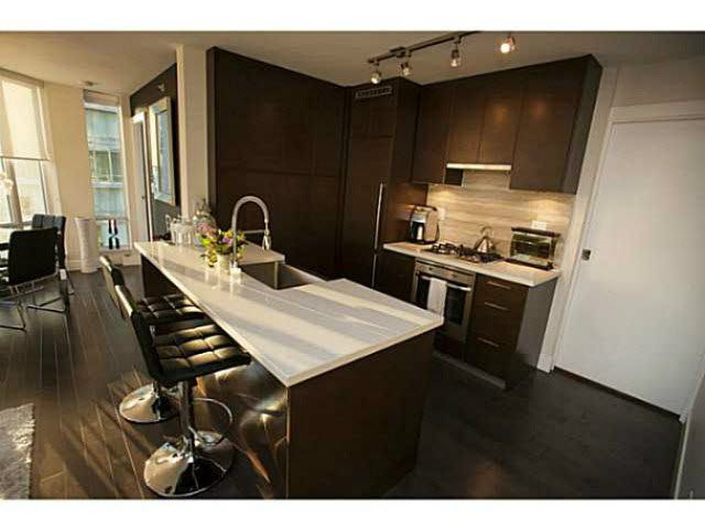 """Photo 3: Photos: 1707 535 SMITHE Street in Vancouver: Downtown VW Condo for sale in """"DOLCE AT SYMPHONY PLACE"""" (Vancouver West)  : MLS®# V1138374"""