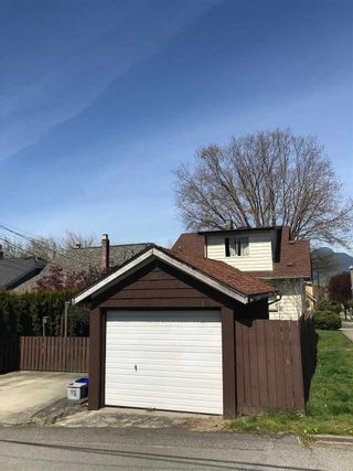 Photo 3: 1017 LAKEWOOD DRIVE in Vancouver: Grandview VE House for sale (Vancouver East)  : MLS®# R2261768