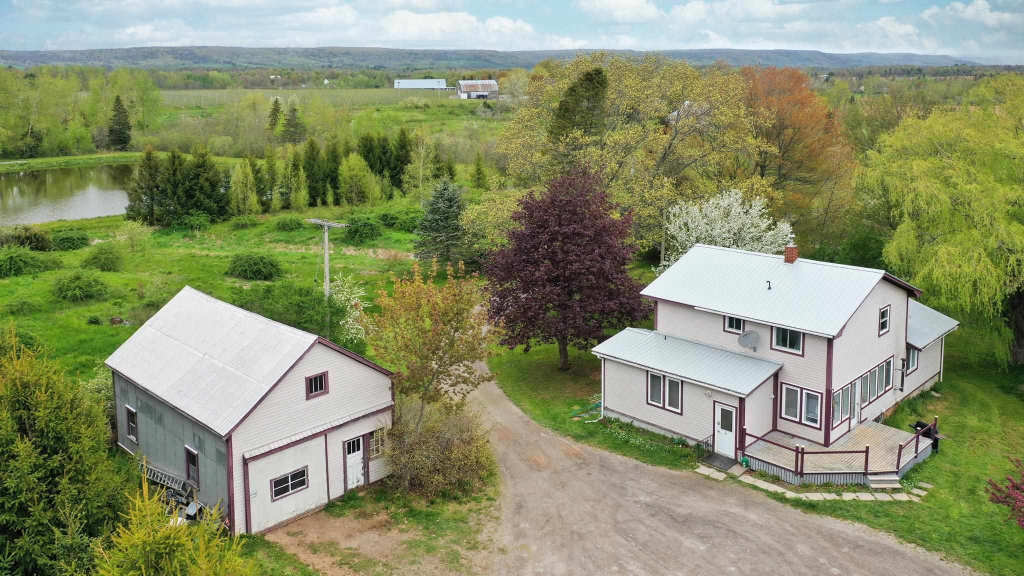 Main Photo: 2379 Black Rock Road in Grafton: 404-Kings County Residential for sale (Annapolis Valley)  : MLS®# 202112476
