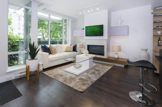 Photo 3: 861 RICHARDS STREET in Vancouver: Downtown VW Townhouse for sale (Vancouver West)  : MLS®# R2276991