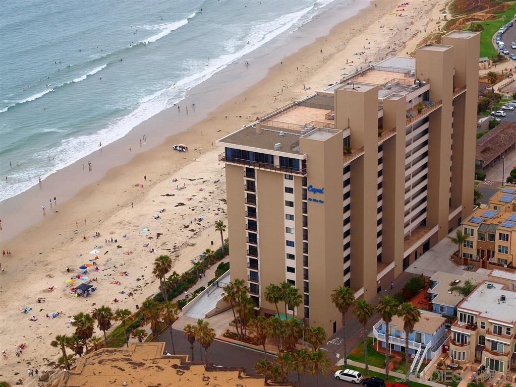 Photo 2: Photos: PACIFIC BEACH Condo for sale : 2 bedrooms : 4767 Ocean Blvd. #801 in San Diego