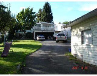 """Photo 2: 8270 ELLIOTT Street in Vancouver: Fraserview VE House for sale in """"FRASERVIEW"""" (Vancouver East)  : MLS®# V669977"""
