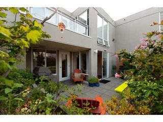 Photo 10: 330 1979 YEW Street in Capers Building: Kitsilano Home for sale ()  : MLS®# V850213