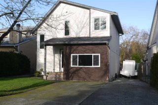 Photo 1: 19459 61 AVENUE in Surrey: Cloverdale BC House for sale (Cloverdale)  : MLS®# R2020207