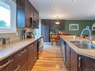 Photo 5: 1117 Clarke Rd in BRENTWOOD BAY: CS Brentwood Bay House for sale (Central Saanich)  : MLS®# 803939
