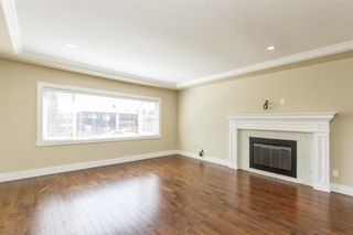 Photo 3: 806 WASCO Street in Coquitlam: Harbour Place House for sale : MLS®# R2187597