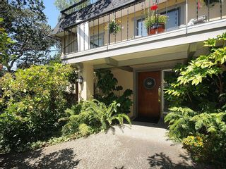Photo 19: 1392 Rockland Ave in Victoria: Residential for sale (203)  : MLS®# 283459