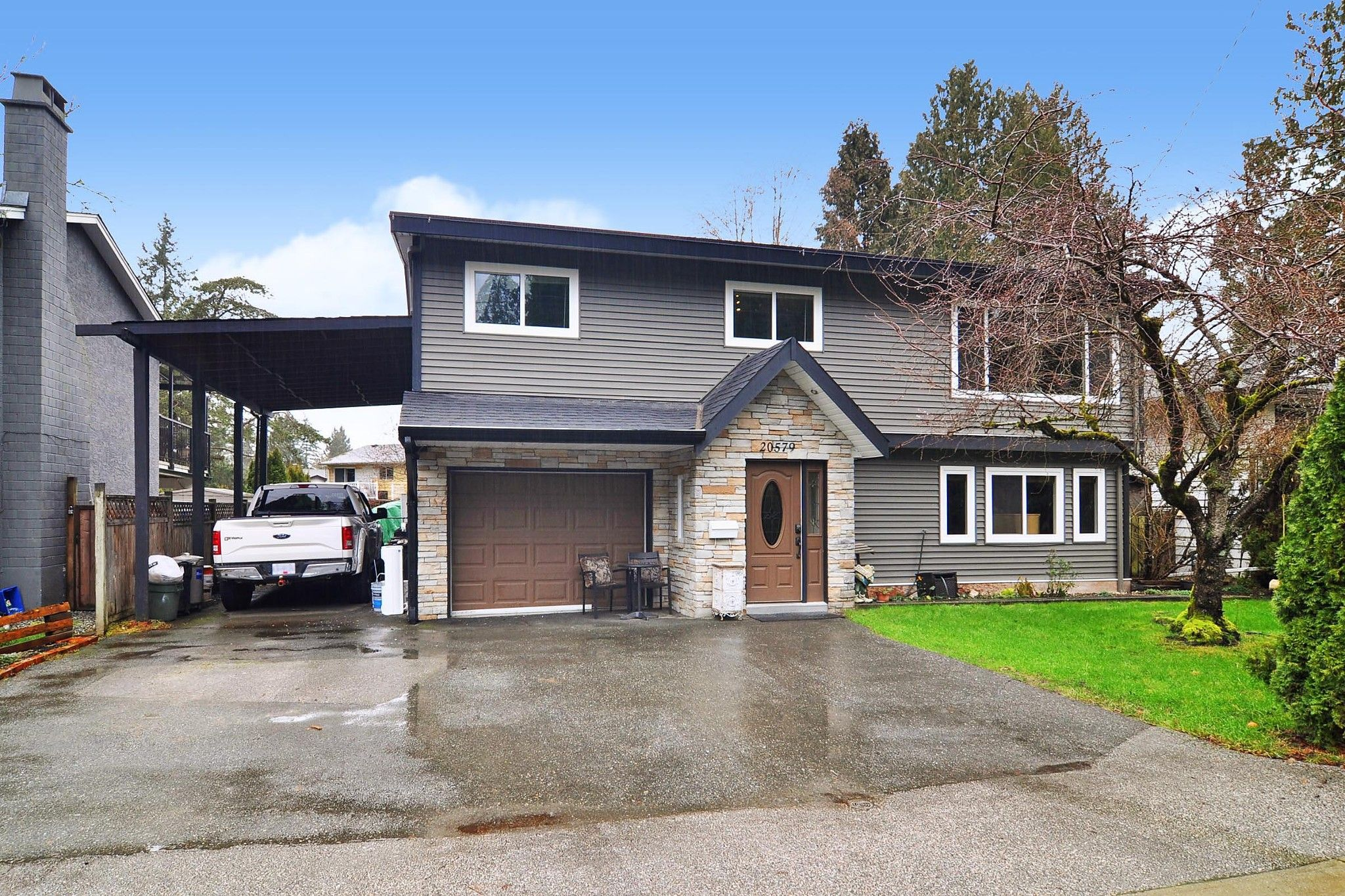 """Main Photo: 20579 48 Avenue in Langley: Langley City House for sale in """"CITY PARK"""" : MLS®# R2534964"""
