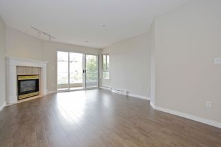 """Photo 16: 205 5556 201A Street in Langley: Langley City Condo for sale in """"Michaud Gardens"""" : MLS®# F1321121"""