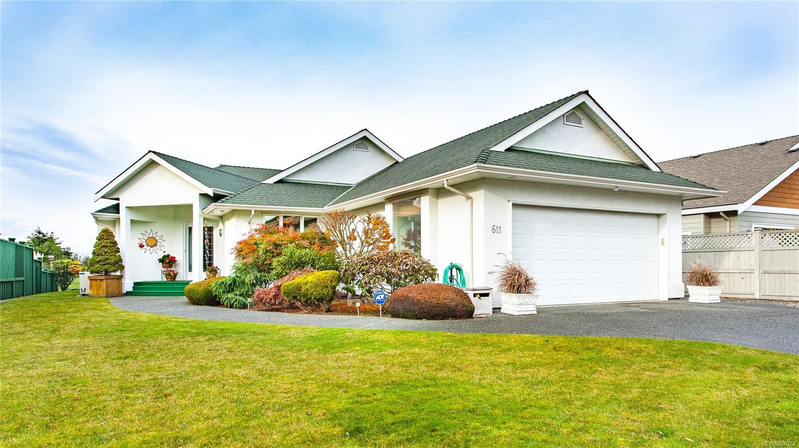 Main Photo: 611 Lowry's Rd in : PQ French Creek House for sale (Parksville/Qualicum)  : MLS®# 860767