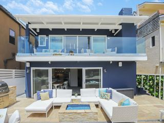 Photo 3: MISSION BEACH House for sale : 5 bedrooms : 2614 Strandway in San Diego