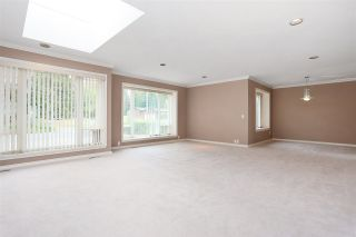 Photo 2: 6625 180 Street in Surrey: Cloverdale BC House for sale (Cloverdale)  : MLS®# R2104517