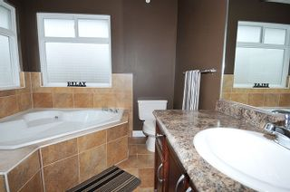 """Photo 12: 11735 GILLAND Loop in Maple Ridge: Cottonwood MR House for sale in """"RICHMOND HILL"""" : MLS®# R2027944"""
