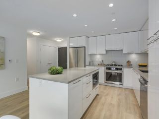 """Photo 9: 609 3488 W SAWMILL Crescent in Vancouver: Champlain Heights Condo for sale in """"THREE TOWN CENTER"""" (Vancouver East)  : MLS®# R2298460"""