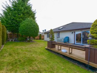 Photo 7: 2192 STIRLING Crescent in COURTENAY: CV Courtenay East House for sale (Comox Valley)  : MLS®# 749606