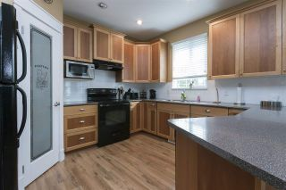 "Photo 8: 32716 HOOD Avenue in Mission: Mission BC House for sale in ""Cedar Creek"" : MLS®# R2214428"